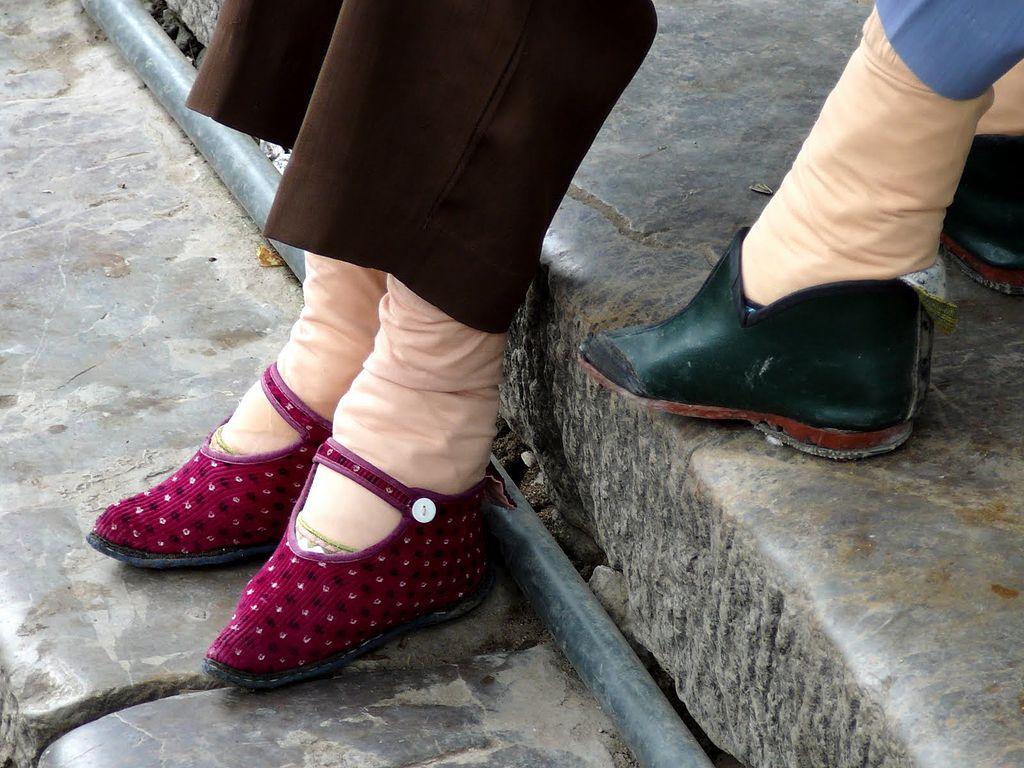 Füße wie Lotusblüten